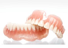 保険適応の入れ歯「レジン床義歯」